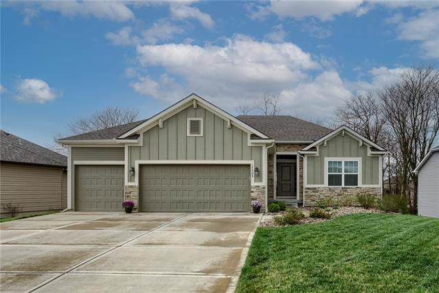 17704 Greyhawke Ridge Drive, Smithville, MO 64089 (MLS #2312196) :: Stone & Story Real Estate Group