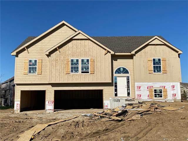 1503 Clear Creek Drive, Kearney, MO 64060 (#2312197) :: The Rucker Group