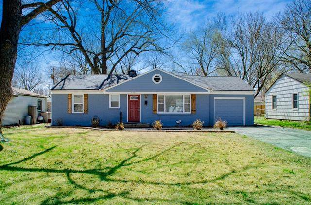 4829 W 62 Terrace, Mission, KS 66203 (#2312259) :: The Rucker Group