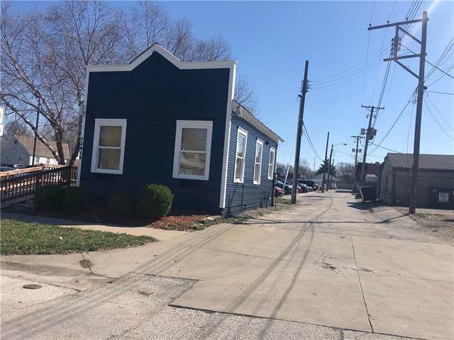 12915 7th Street, Grandview, MO 64030 (#2312385) :: Ron Henderson & Associates