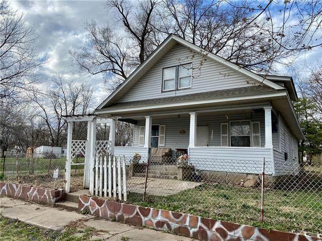 206 W Depot Street, Plattsburg, MO 64477 (#2312561) :: Edie Waters Network