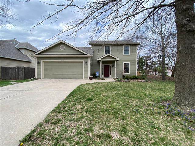3900 Monterey Place, Lawrence, KS 66049 (MLS #2312600) :: Stone & Story Real Estate Group