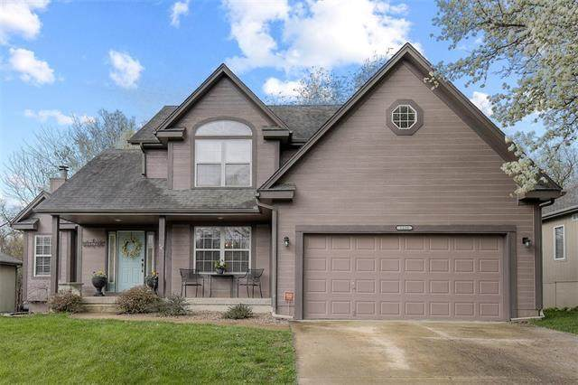 1100 SW Southcrest Drive, Blue Springs, MO 64015 (#2312628) :: Five-Star Homes