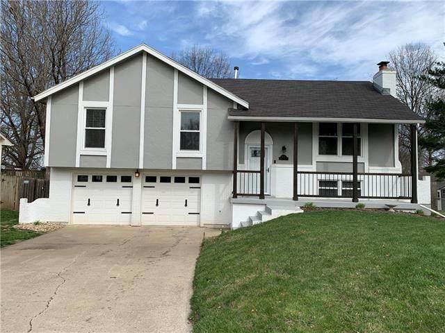 505 NW Brock Circle, Blue Springs, MO 64014 (#2312674) :: Ron Henderson & Associates