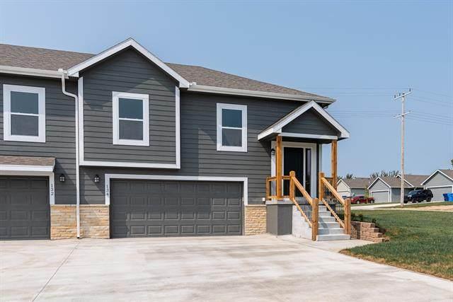 117 N Mcgee Street, Tonganoxie, KS 66086 (#2312842) :: Dani Beyer Real Estate