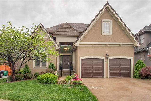 5685 NE Northgate Crossing, Lee's Summit, MO 64064 (#2312893) :: Team Real Estate
