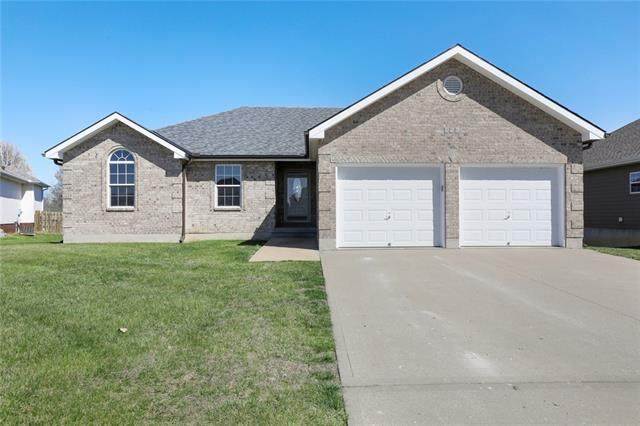 956 Moore Place, Odessa, MO 64076 (#2313028) :: Audra Heller and Associates