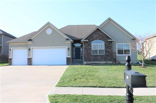 4712 Corinth Drive, St Joseph, MO 64506 (#2313041) :: Eric Craig Real Estate Team