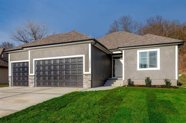 7904 SW 2nd Terrace, Blue Springs, MO 64014 (#2313109) :: Ask Cathy Marketing Group, LLC