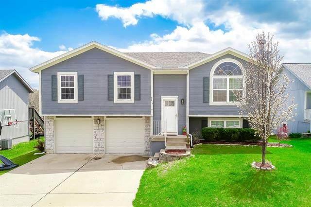 8611 115th Street, Kansas City, MO 64157 (#2313126) :: Team Real Estate