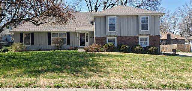 7512 Overton Drive, Raytown, MO 64138 (#2313146) :: The Rucker Group