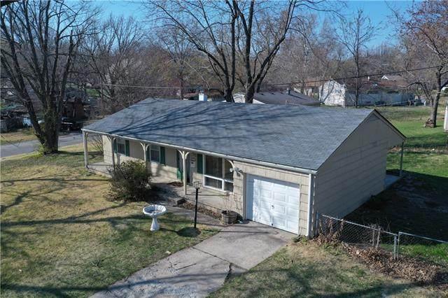 2400 NE 61st Street, Gladstone, MO 64118 (#2313303) :: Five-Star Homes