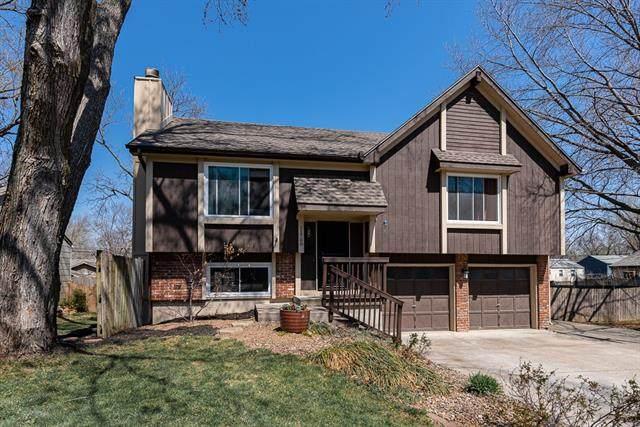 11708 W 69th Terrace, Shawnee, KS 66203 (#2313336) :: Ron Henderson & Associates