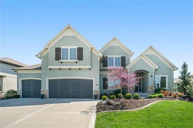 9743 Hastings Street, Lenexa, KS 66227 (#2313348) :: Ron Henderson & Associates