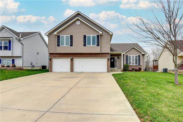 12970 NW Hawthorne Drive, Platte City, MO 64079 (#2313360) :: Team Real Estate