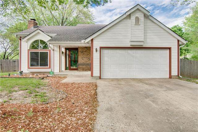 516 NW 41st Terrace Court, Blue Springs, MO 64015 (#2313402) :: Team Real Estate