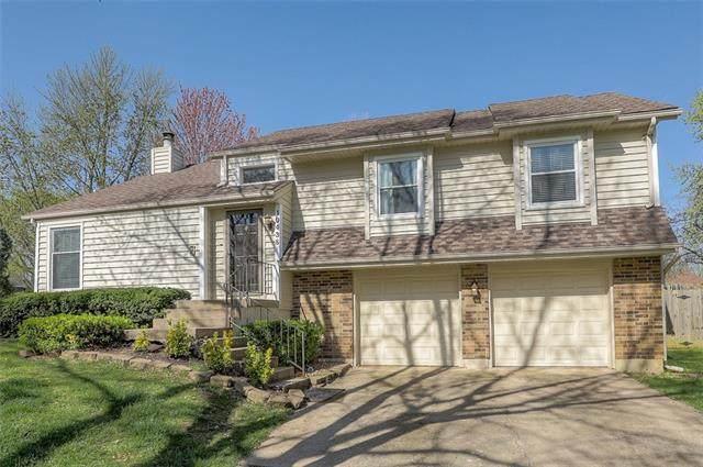 10438 Hauser Street, Lenexa, KS 66215 (#2313640) :: Dani Beyer Real Estate