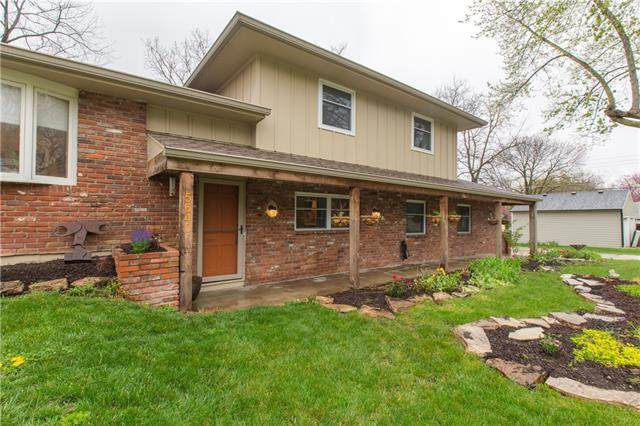 5640 W 55th Street, Mission, KS 66202 (MLS #2313665) :: Stone & Story Real Estate Group