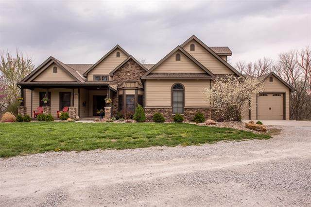 18675 371 Highway, Platte City, MO 64079 (#2313689) :: Ron Henderson & Associates