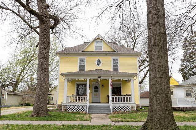 910 S Hickory Street, Ottawa, KS 66067 (MLS #2313691) :: Stone & Story Real Estate Group