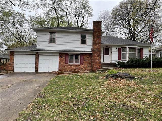 9601 W 93rd Street, Overland Park, KS 66212 (#2313703) :: Five-Star Homes