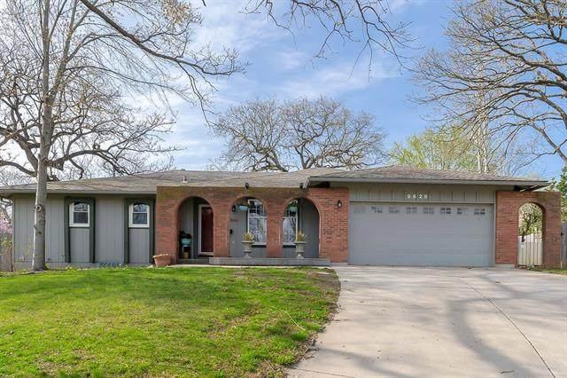 9826 Shepherds Circle, Kansas City, MO 64131 (#2313741) :: Ron Henderson & Associates