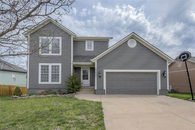 22626 Washington Street, Spring Hill, KS 66083 (#2313781) :: The Gunselman Team