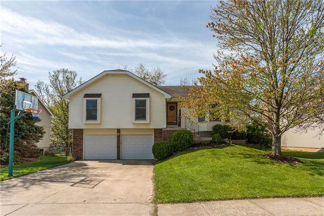 15205 W 122 Terrace, Olathe, KS 66062 (#2313901) :: Dani Beyer Real Estate