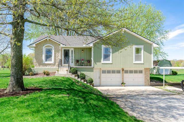 1802 N Prairie Lane Road, Raymore, MO 64083 (#2313957) :: The Shannon Lyon Group - ReeceNichols