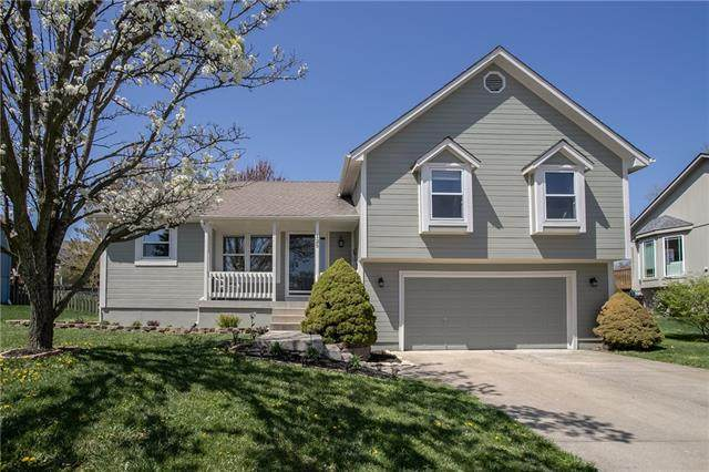 125 N Highland Drive, Raymore, MO 64083 (#2313960) :: The Shannon Lyon Group - ReeceNichols