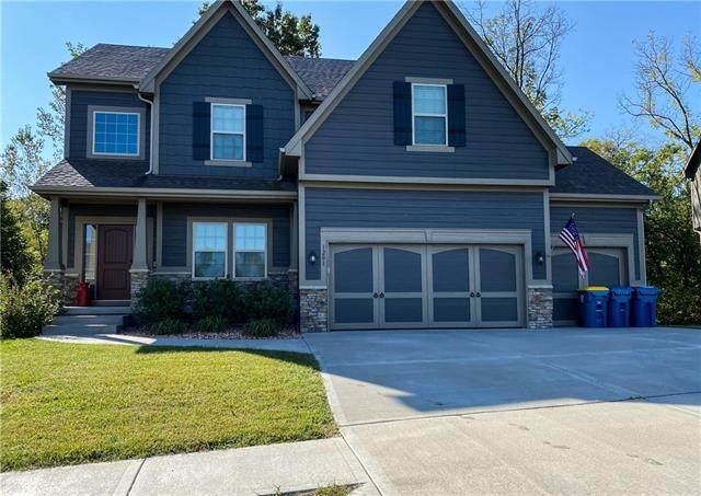 1201 E 15th Street, Kearney, MO 64060 (MLS #2313977) :: Stone & Story Real Estate Group