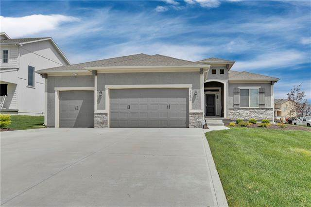 13300 W 182nd Street, Overland Park, KS 66221 (#2313984) :: The Shannon Lyon Group - ReeceNichols