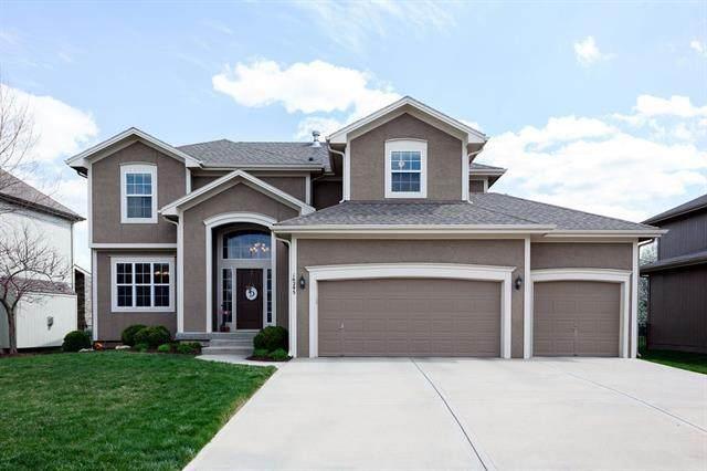 16295 W 165th Street, Olathe, KS 66062 (#2313989) :: Dani Beyer Real Estate
