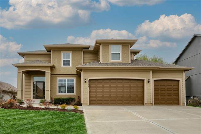2113 NW Sycamore Lane, Grain Valley, MO 64029 (#2314020) :: Beginnings KC Team