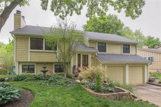 9136 Greenway Lane, Lenexa, KS 66215 (#2314058) :: Eric Craig Real Estate Team