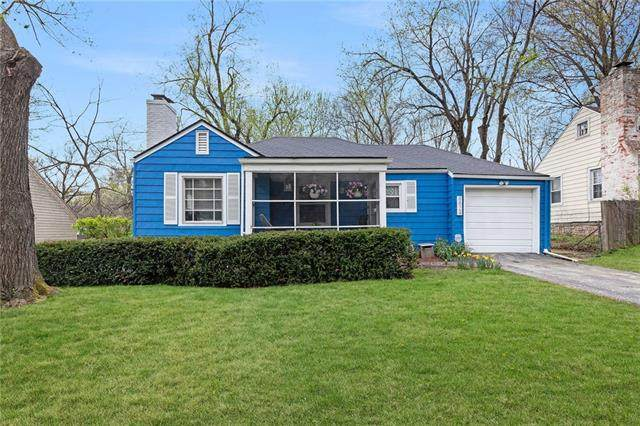 8824 Maiden Lane, Kansas City, MO 64114 (#2314104) :: Five-Star Homes