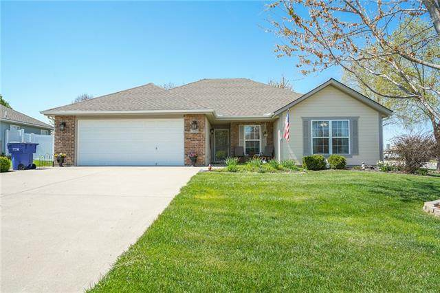 700 SW Hillside Drive, Grain Valley, MO 64029 (#2314144) :: Beginnings KC Team