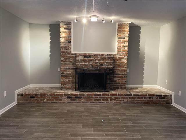 4057 Walnut Street #7, Kansas City, MO 64111 (#2314207) :: Dani Beyer Real Estate