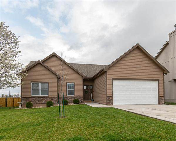 1321 W Tiffany Court, Ottawa, KS 66067 (#2314223) :: Audra Heller and Associates