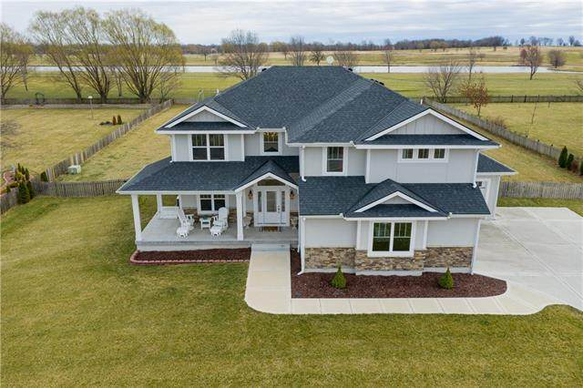 20907 S Jefferson Parkway, Pleasant Hill, MO 64080 (#2314268) :: Five-Star Homes