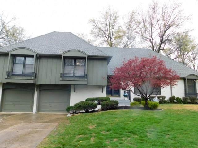 301 W 116th Street, Kansas City, MO 64114 (#2314277) :: Dani Beyer Real Estate
