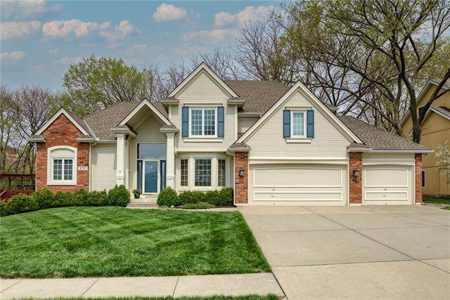 6718 NW Monticello Drive, Parkville, MO 64152 (#2314281) :: Beginnings KC Team