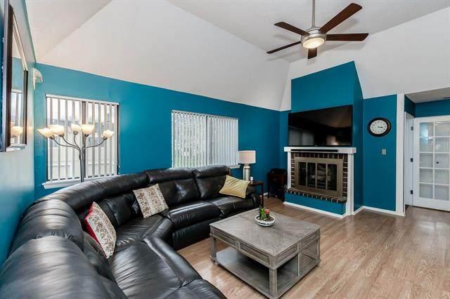 816 E 121st Terrace, Kansas City, MO 64146 (#2314343) :: Ask Cathy Marketing Group, LLC