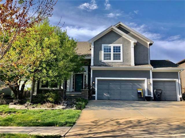 25724 W 143rd Terrace, Olathe, KS 66061 (#2314356) :: Ron Henderson & Associates