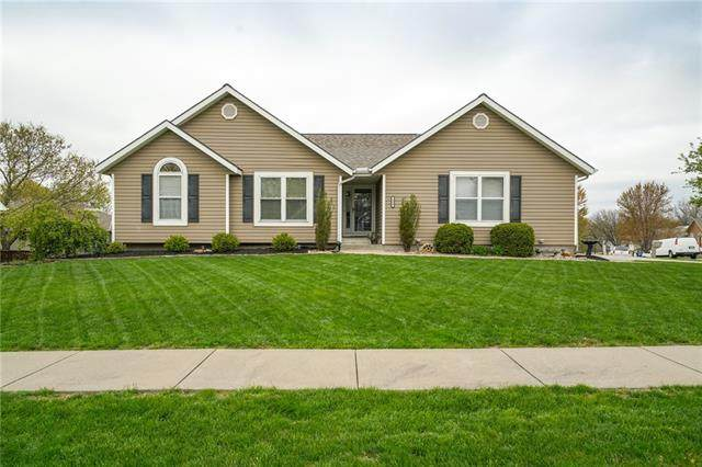 104 Newport Drive, Smithville, MO 64089 (#2314368) :: Team Real Estate