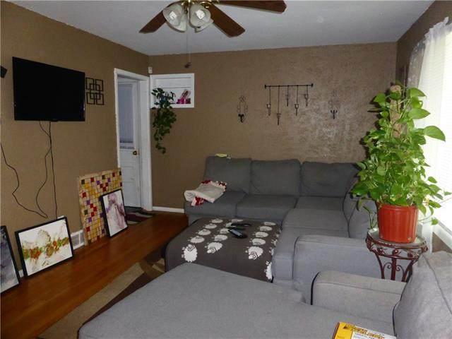702 N Rogers Street, Independence, MO 64050 (#2314379) :: Dani Beyer Real Estate