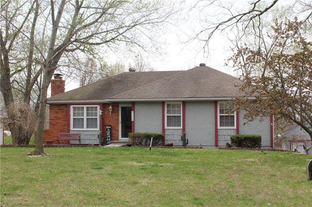 2716 N Twyman Road, Independence, MO 64058 (#2314387) :: Dani Beyer Real Estate