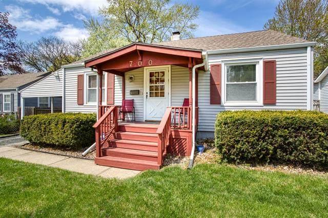700 W 86 Terrace, Kansas City, MO 64114 (#2314392) :: Audra Heller and Associates