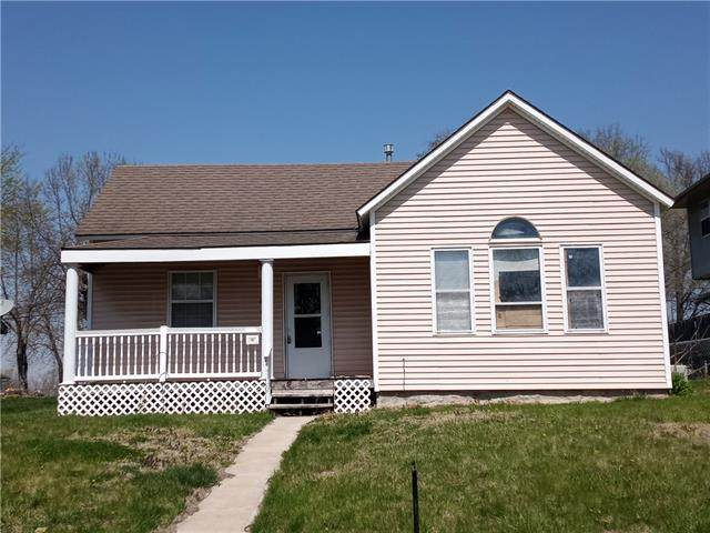 704 W Wea Street, Paola, KS 66071 (#2314393) :: Dani Beyer Real Estate