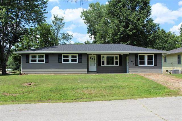 307 Ridge Street, Sweet Springs, MO 65351 (#2314447) :: The Rucker Group